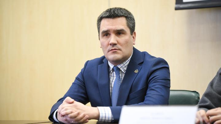 Когда в Екатеринбурге пик эпидемии и сколько выплатят врачам? В прямом эфире отвечает глава горздрава