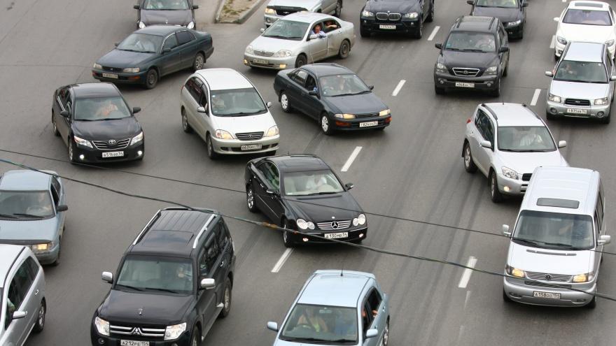 Водители встали в девятикилометровую пробку в районе Бердска