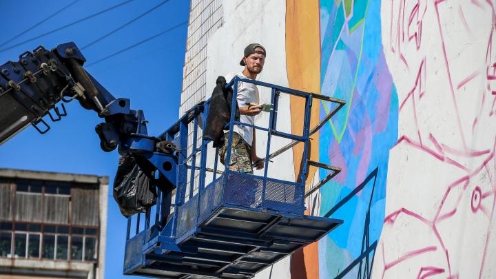Репортаж с событий «Места»: смотрим, какие граффити появились в Канавинском районе