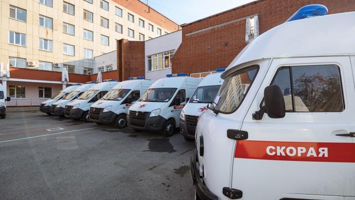 Больницам Свердловской области закупили 28 новых автомобилей скорой помощи