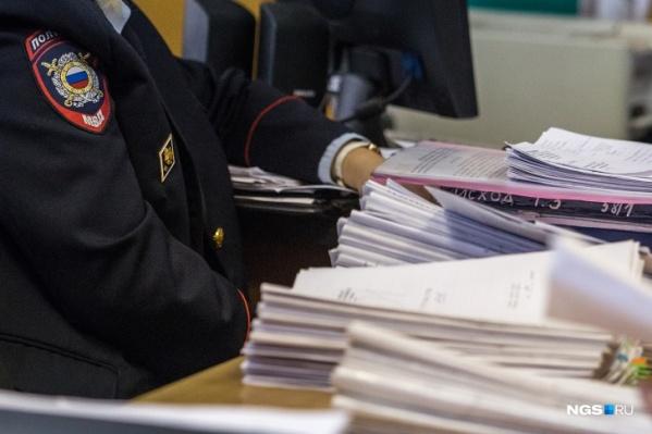 Полицейские составили протокол на жителя Бердска прямо в отделе ГИБДД
