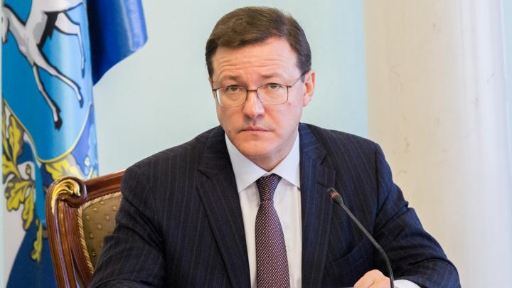 Азаров запретил пускать в магазины и учреждения людей без масок: текст постановления губернатора
