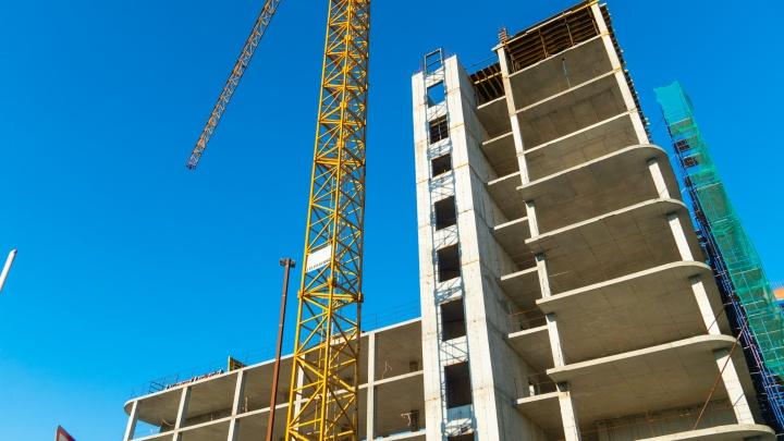 «Что здесь строят?»: возле клуба «Малибу» появится одиннадцатиэтажный деловой комплекс