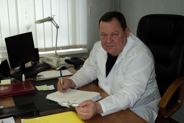 Олег Чернобай продолжит работу в должности хирурга