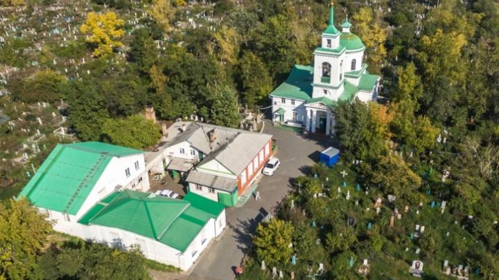 В Красноярске создают электронную базу захоронений. Участков под новые кладбища в городе не осталось