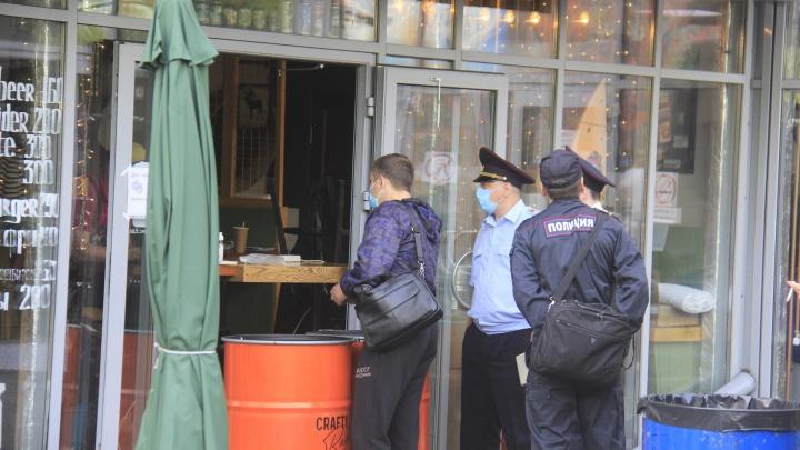 Полиция нагрянула во дворик на Ленина, где прошла уличная вечеринка