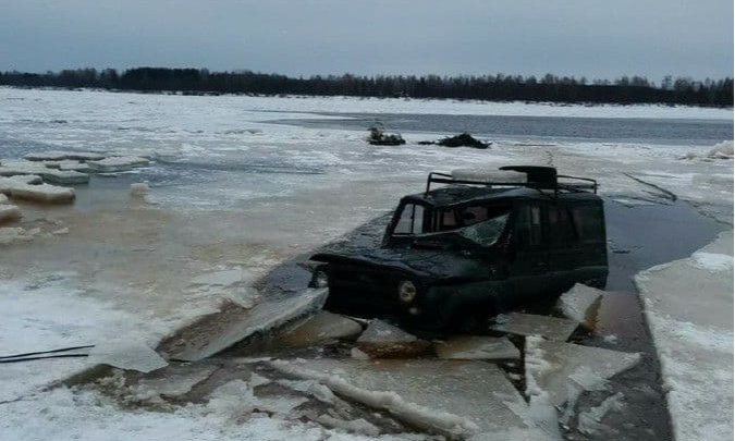 В Прикамье машина провалилась под лед. 63-летний водитель погиб