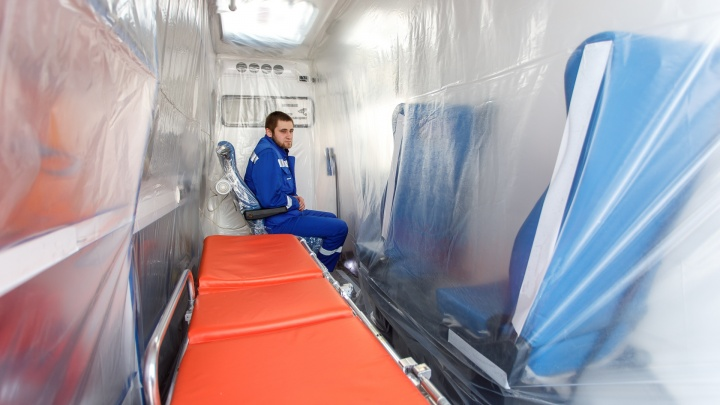 «Не бойтесь врачей в противочумных костюмах»: в Волгограде переоборудуют подстанцию скорой помощи
