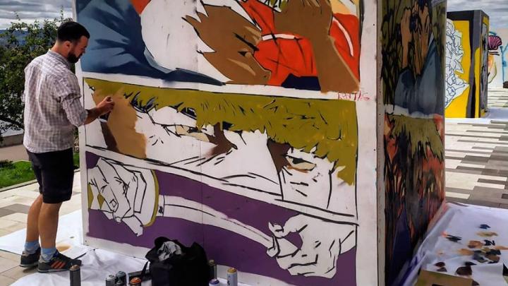 Обе набережные Красноярска стали местом выставки работ граффити-фестиваля