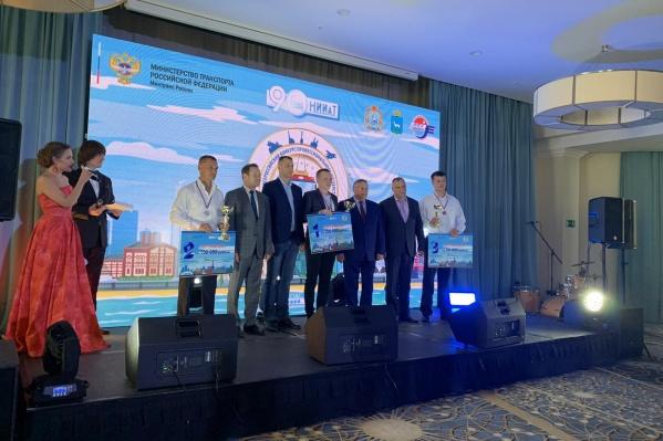 Победители получили денежные призы в 300, 150 и 50 тысяч рублей