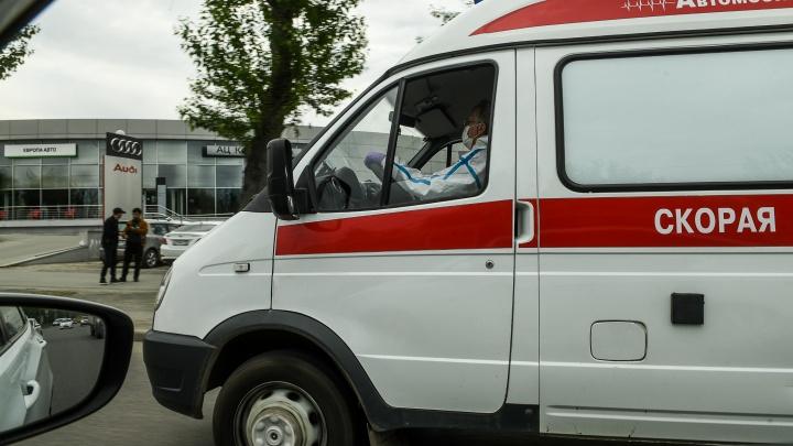 Добилась прокуратура: в Екатеринбурге водители скорой помощи получили деньги за работу с COVID-19