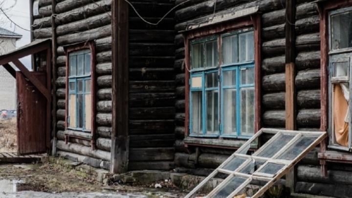 В Прикамье прокуратура требует капитально отремонтировать более тысячи домов. Но власти считают их почти аварийными