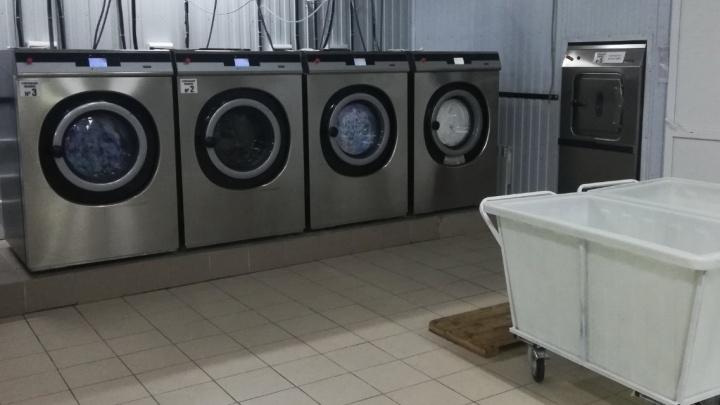 Все наволочки — с датчиками: как в Архангельске работает прачечная, где белье можно взять напрокат