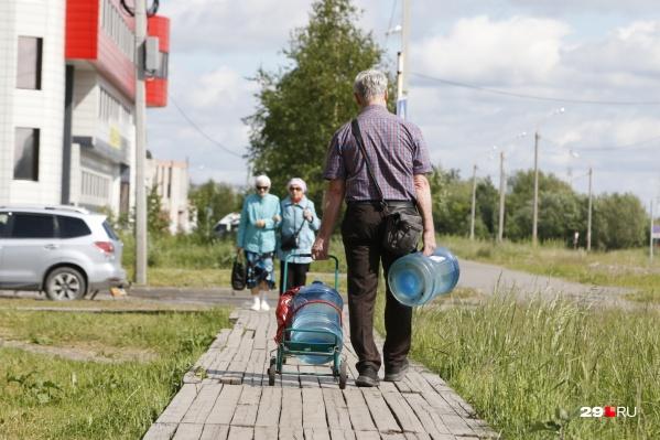 Жители посёлков покупают питьевую воду по тарифу, установленному «РВК-Архангельск»