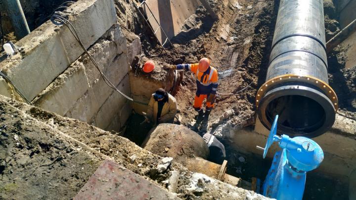 В нескольких районах Кургана отключили воду