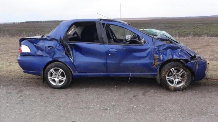 В Зауралье пьяный водитель опрокинулся на иномарке в кювет