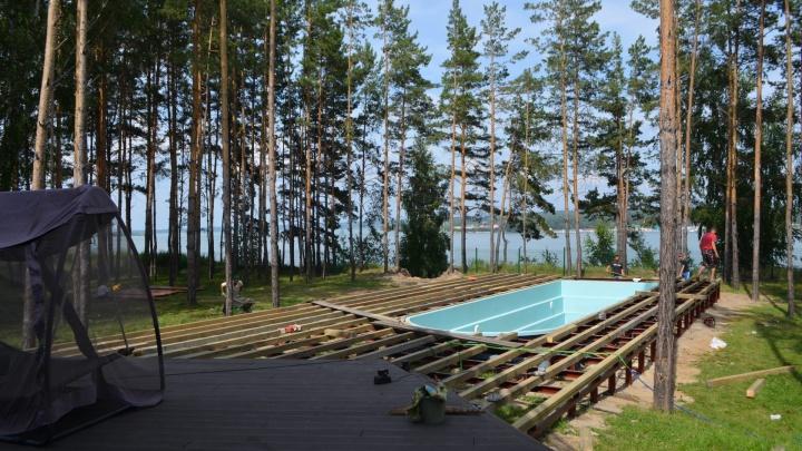 Личное море на дачном участке: узнали, где заказать бассейн с установкой
