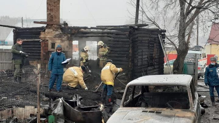 Глава новосибирского МЧС назвал предварительную причину пожара, в котором погибли четыре человека