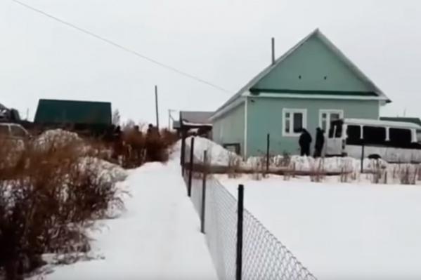 Мертвую девочку нашли неподалеку от дома