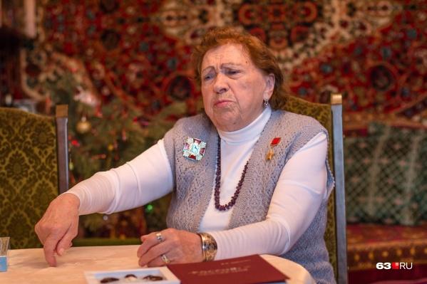 Шоколадной фабрикой Елена Васильевна руководила более 20 лет