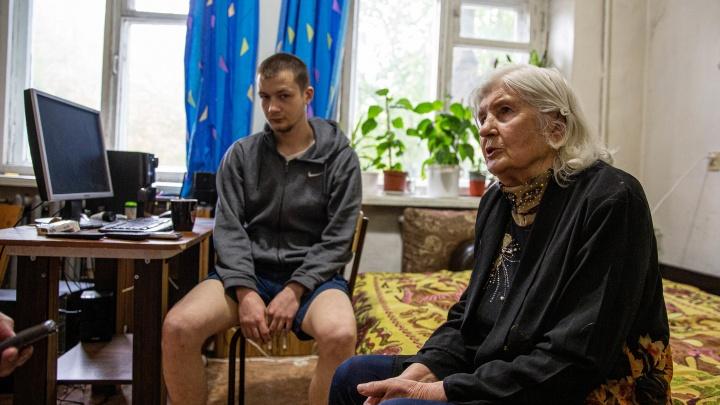 Сирота против мэрии: 20-летний Аристарх потратил пенсию бабушки и выиграл суд за жильё, но квартиру не получил