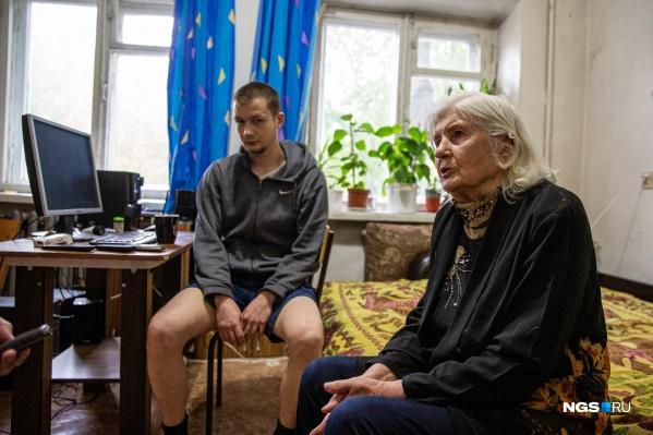 Аристарх Ушаков доказал в суде свое право на получение квартиры, но почти год не может получить жильё