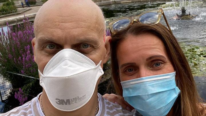 «Кормила 3 раза в день»: больной раком Олег Тиньков трогательно поблагодарил жену