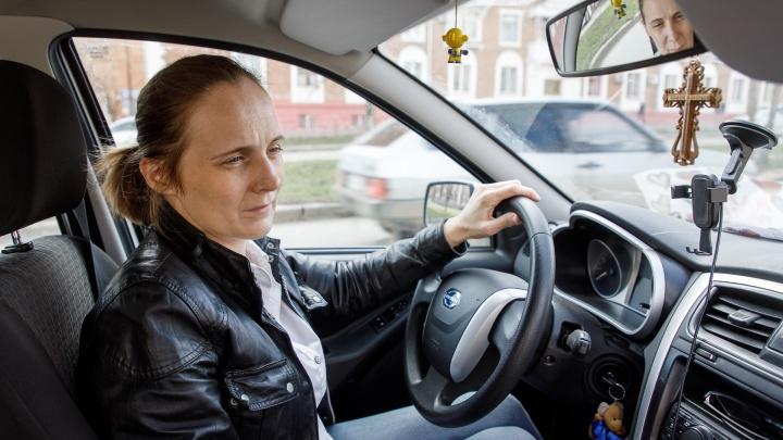 «Я просто в шоке»: изрезанной рецидивистом женщине-водителю дали компенсацию — пять тысяч рублей от «Яндекс.Такси»