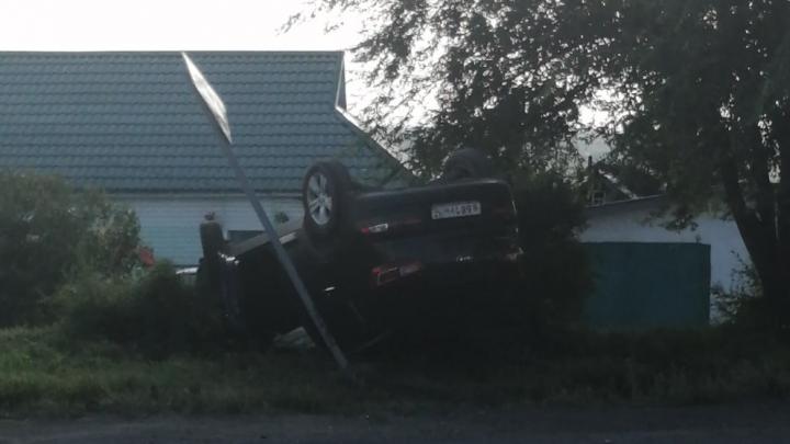 «Выпил после ДТП»: в Кузбассе автомобиль сбил женщину и перевернулся