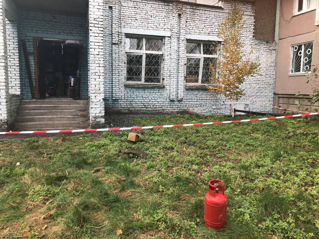 Место взрыва оцеплено