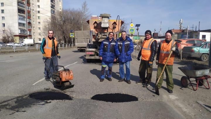 В Челябинске насчитали 67 дорожных участков, которые нуждаются в экстренном ремонте