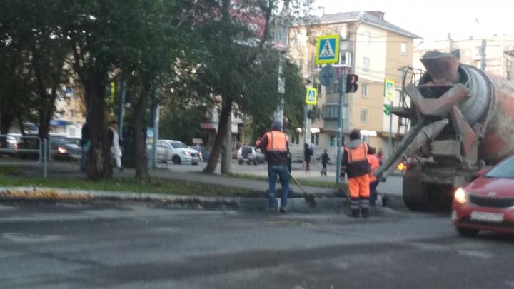«Очередной распил?»: челябинца возмутил повторный ремонт дороги в Ленинском районе
