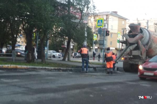 Участок улицы Барбюса ремонтируют второй раз за три месяца