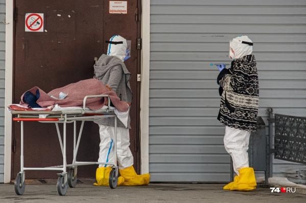 Вместе с ростом заболеваемости ковидом в регионе растет и смертность среди пациентов
