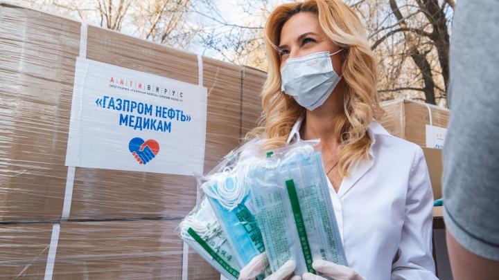 Шестьсот тысяч масок и четыре тонны антисептика: омские медики получили бесплатные средства защиты