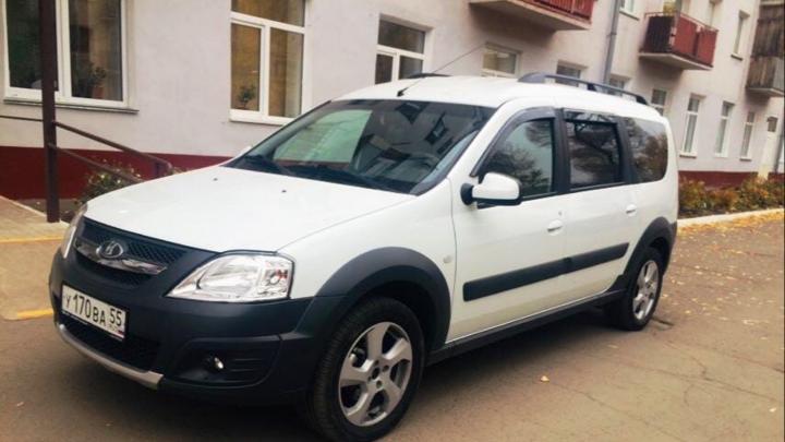 Областные министерства и омская мэрия отправят служебные автомобили в помощь врачам