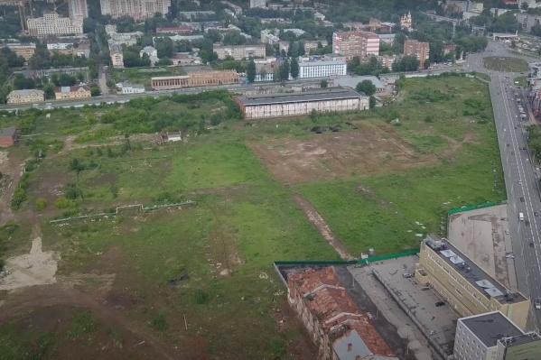 Территорию уже зачистили от корпусов завода