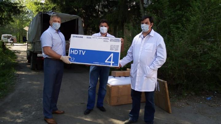 «Проживание в условиях обсервации — это испытание»: СУЭК поддержала медиков из резервного госпиталя