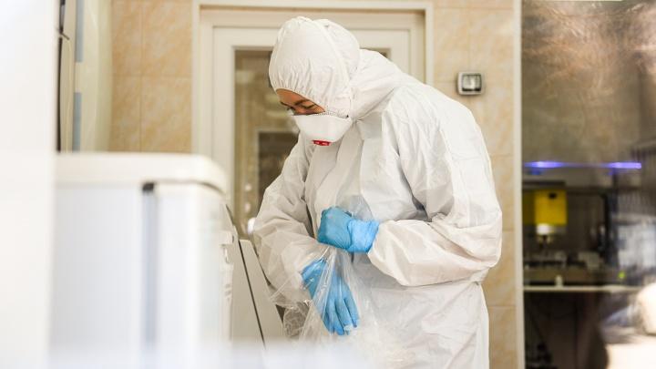 У мужчины из Заречного, чья жена в тяжелом состоянии из-за коронавируса, проявились симптомы болезни