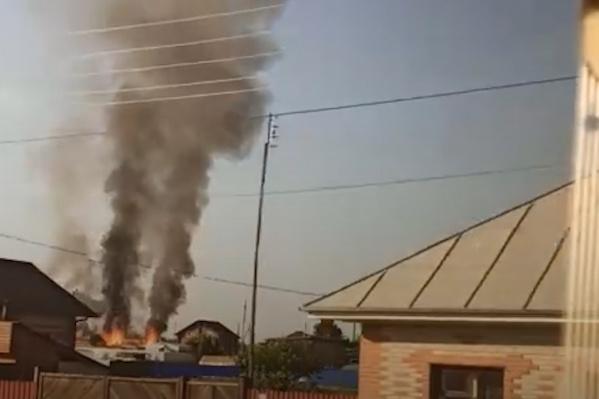 Дым от пожара в Кулаково распространился по всей округе