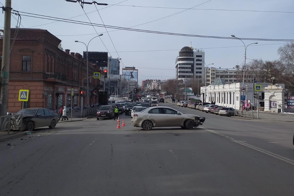 ДТП произошло на перекрестке с Горького
