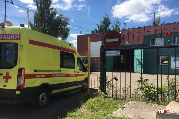 Скандальный инцидент с нападением на медиков произошёл на центральной станции скорой помощи в Ярославле