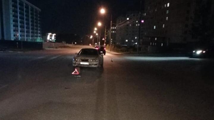 Водитель Toyota сбил двух подростков на мопеде