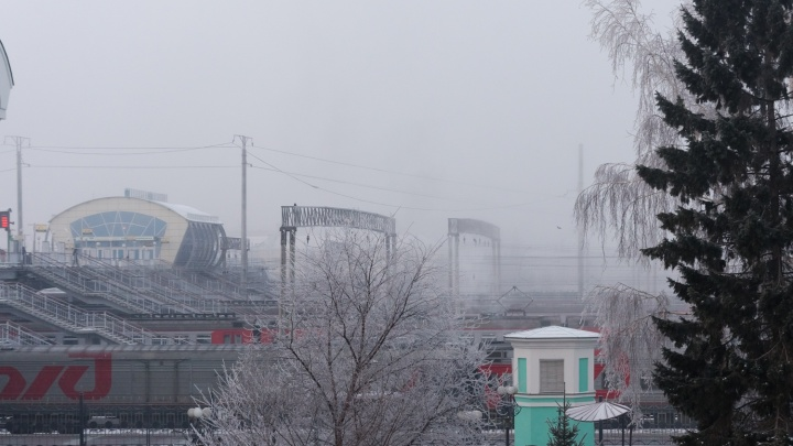 МЧС: на Новосибирск идут сильные ветры, мокрый снег и гололед