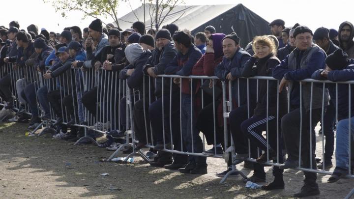 «Добро ударило обухом по голове»: репортаж из лагеря мигрантов в Самарской области