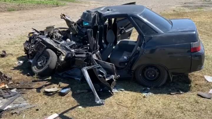 В ДТП под Азовом погибли мать и её двухлетний сын
