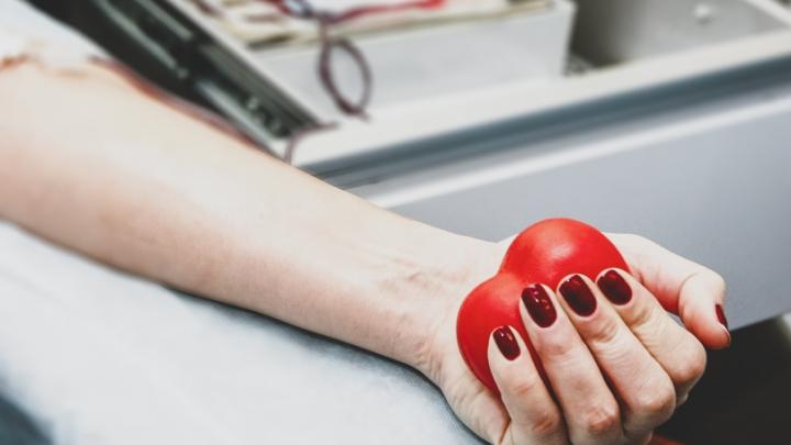 «Говорят, можно подождать»: из-за пандемии тюменка не может в срок проверить кардиостимулятор сына-инвалида