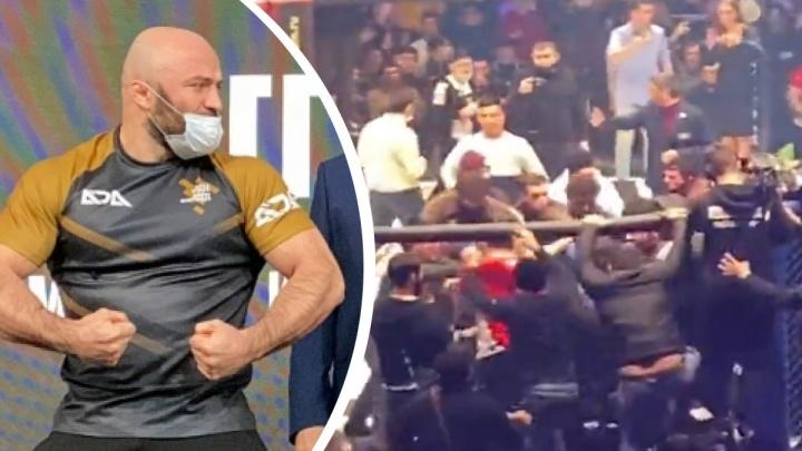 Магомеда Исмаилова доставили в полицию после массовой драки на турнире в Москве