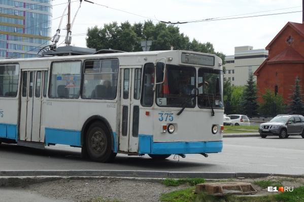 Ремонт теплотрассы повлияет на три троллейбусных маршрута