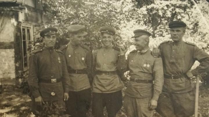 Фронтовой инстаграм: за рулем «полуторки» — от рубежей Москвы до встречи на Эльбе